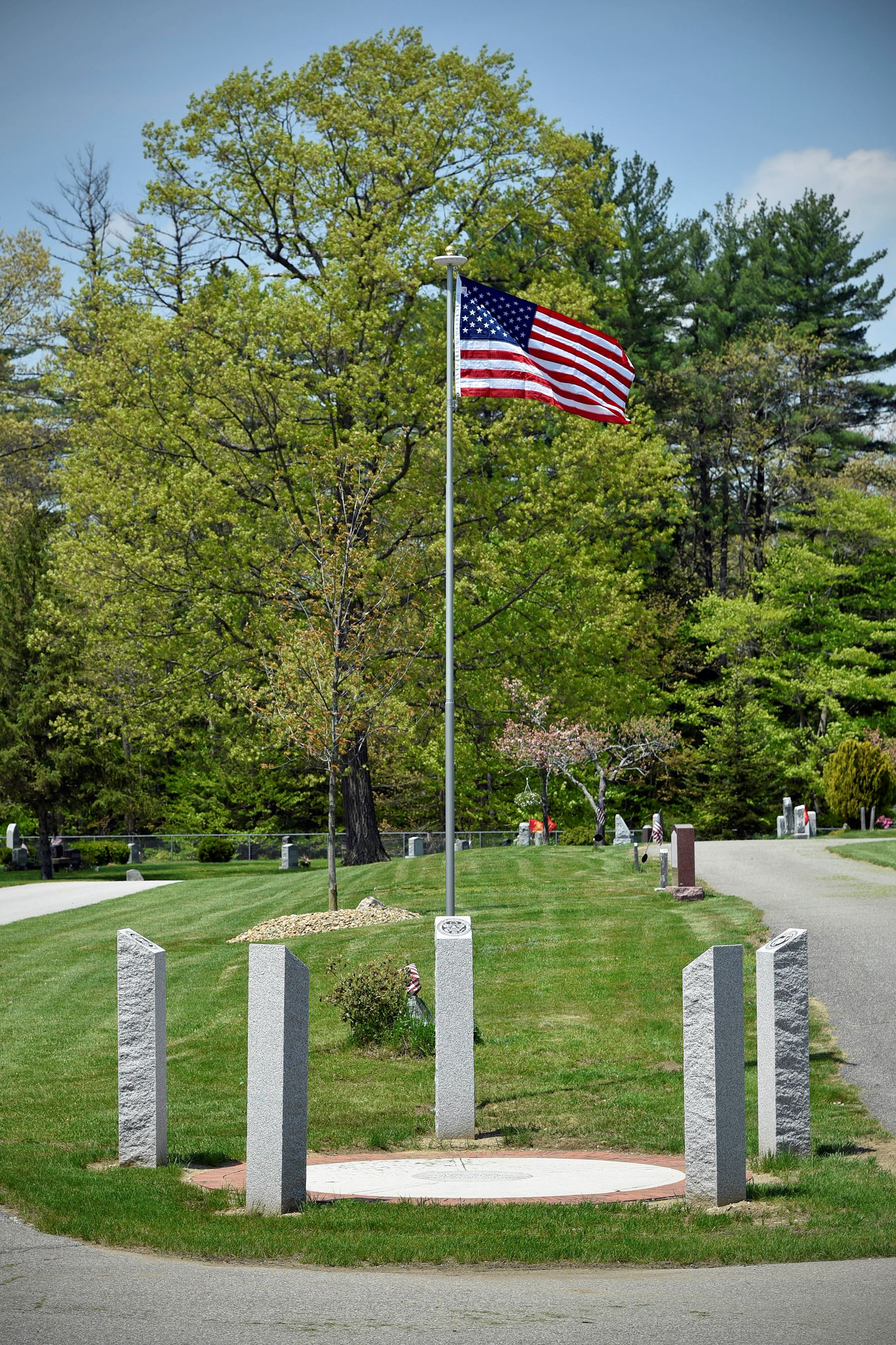 Evans Cemetery & Veteran Memorial (photo by Eric Anderson)
